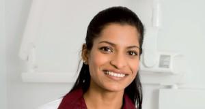 Medico dentista laserterapia perimplantite