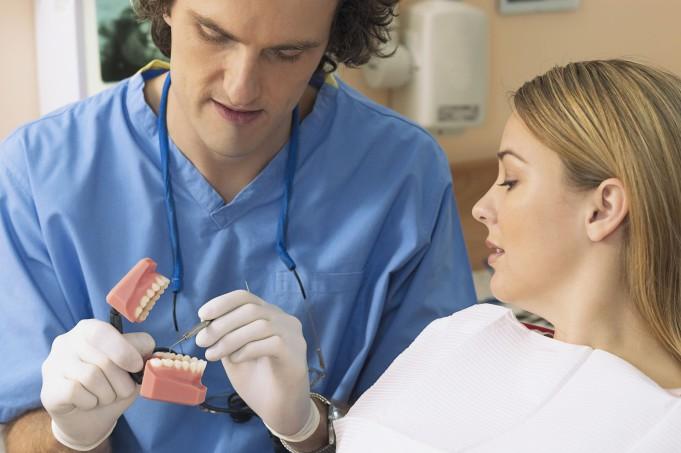 Dentisti odontoiatria ergonomia