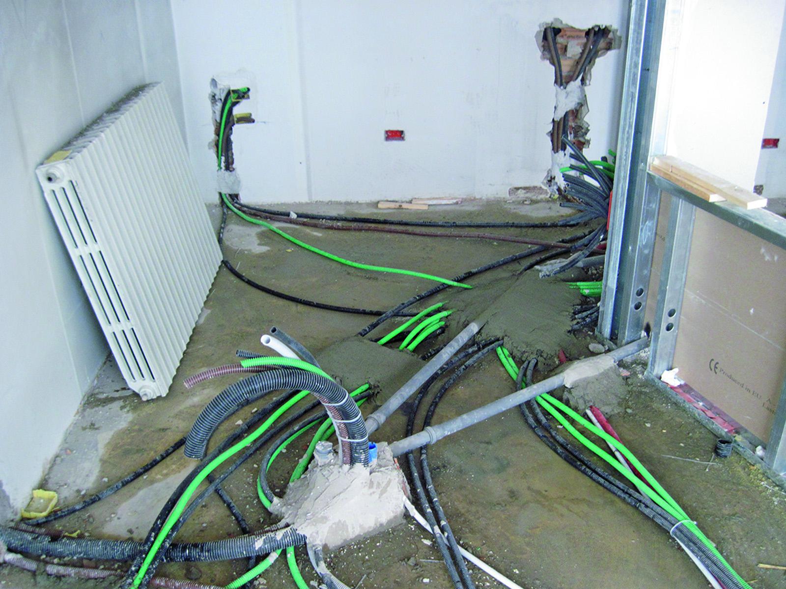 Studio dentistico l impianto elettrico all interno di un - Come fare l impianto idraulico del bagno ...