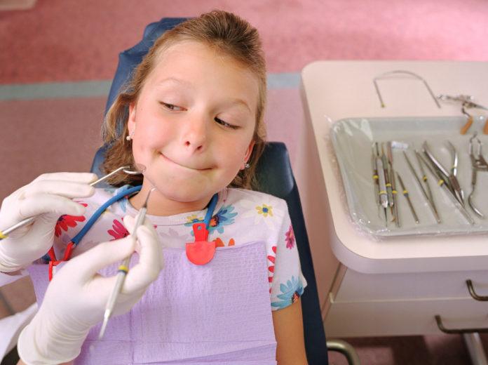 raccomandazioni sedazione cosciente in odontoiatria, bambina