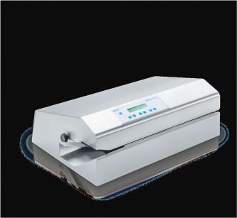 8. Le macchine sigillatrici più evolute rispondono ai requisiti delle nuove normative UNI EN 11607.