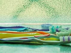 sensibilità dentinale terapia non chirurgica pazienti: Spazzolamento con spazzolino manuale placca, prevenzione della carie, alitosi,cavo orale spazzolino, igiene orale, lavare i denti