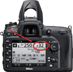 7. Il display della Nikon D7200: si noti nel circoletto la visualizzazione del numero di diaframma.