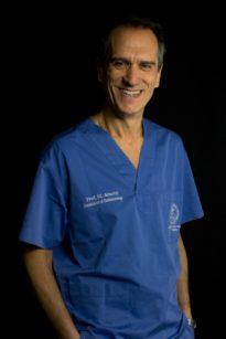 Mario Aimetti, presidente della Società Italiana di Parodontologia e Implantologia, Direttore del Reparto di Parodontologia presso la C.I.R. Dental School (Diretta dal Professor S. Carossa) del Dipartimento di Scienze Chirurgiche dell'Università degli Studi di Torino, nonché Direttore del percorso di Alta Formazione in Parodontologia di cui è stato il principale fautore.