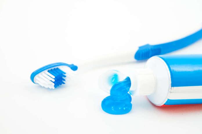 DM_il-dentista-moderno_Approccio-evidence-based-ai-dentifrici-ai-carboni-attivi.jpg
