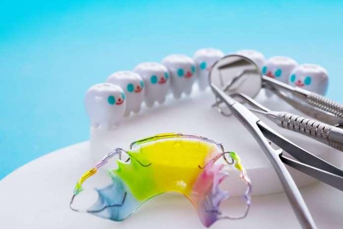 DM_il dentista moderno_contenzione ortodontica_apparecchio