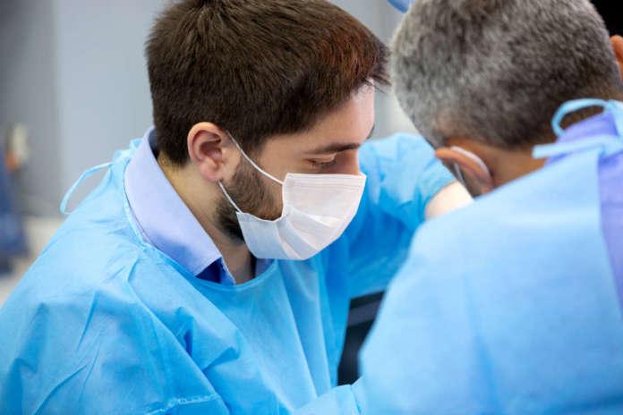 DM_il-dentista-moderno_ANTISETTICI-perimplantare.jpg